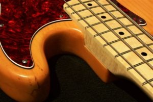 image Haywire Custom Guitars - H Bass and thumb placement