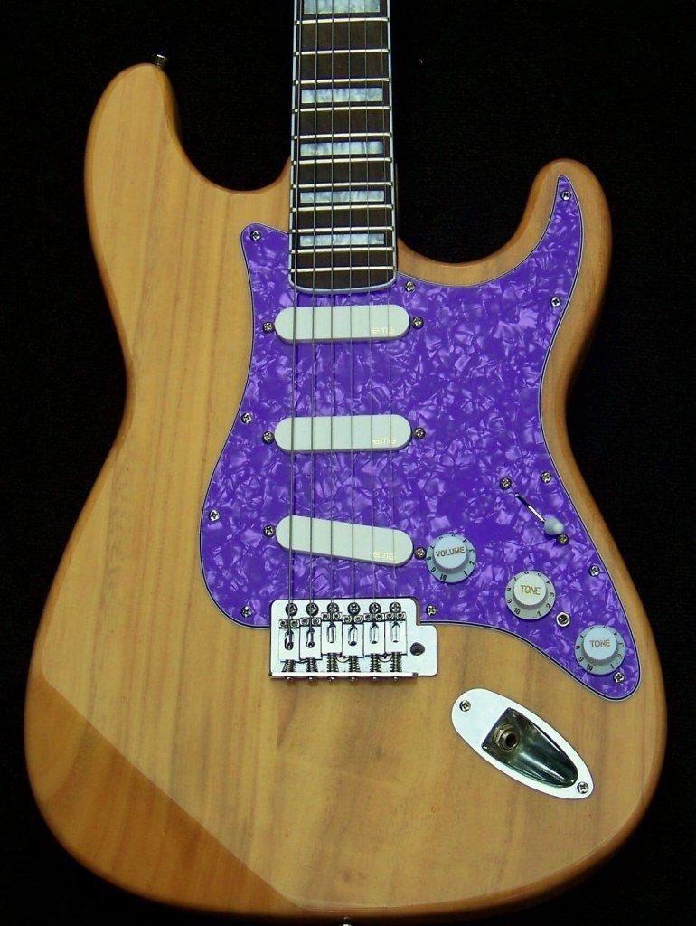 image Haywire Custom Guitars Custom Shop Active Pickup Guitar
